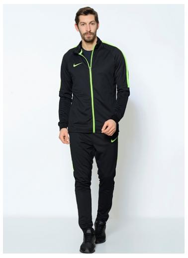 Nike sport. kostiumas