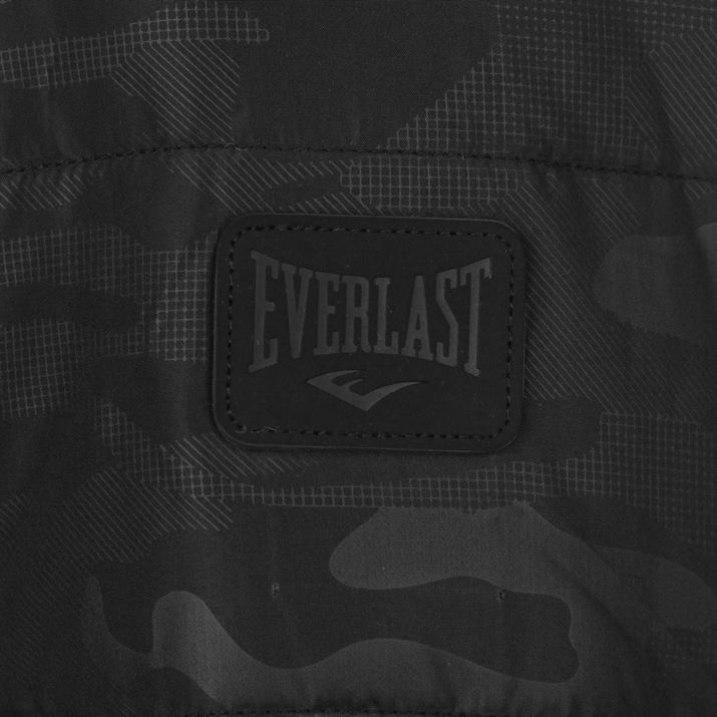Everlast striukė