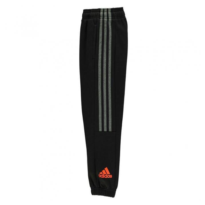 Bern. Adidas sport. kostiumas