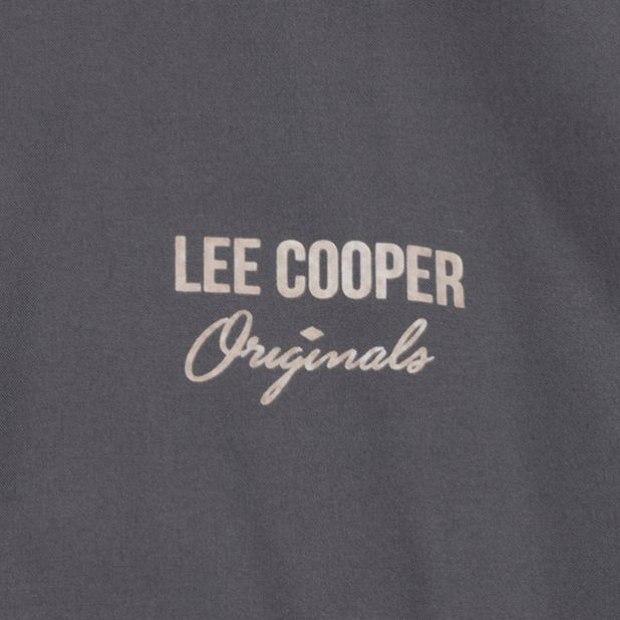 Lee Cooper striukė